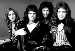 Freddie z zespołem Queen - rok 1974