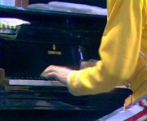 Freddie mercury 1986_Steinway D8