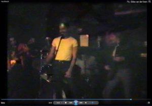 freddie-mercury-taxi-live-1982