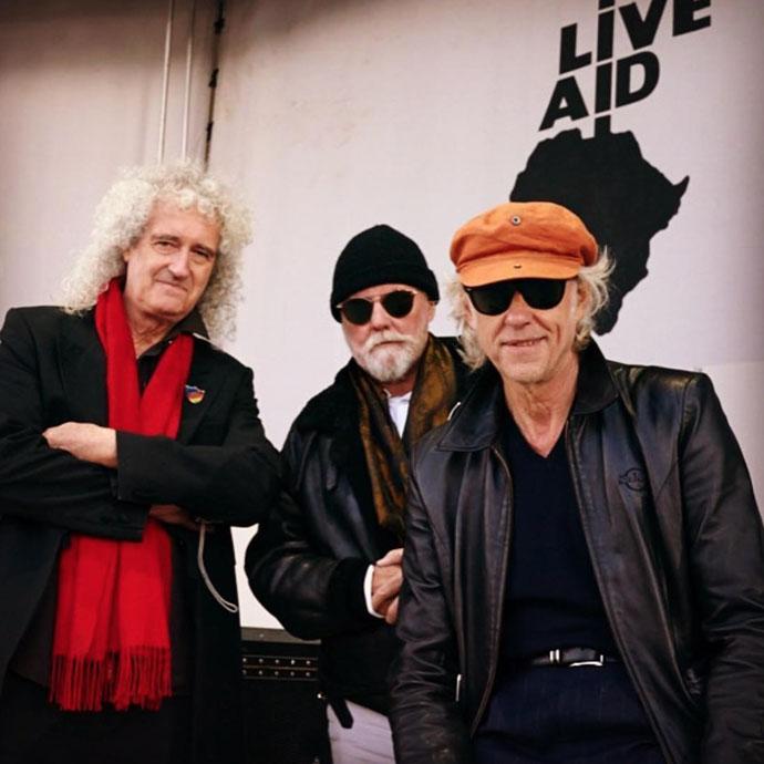 Brian, Roger i Bob scenografia Live Aid